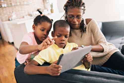 5 Important Resolutions Parents Must Make in 2017 / social distancing