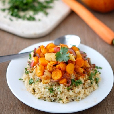 Quinoa With Spicied Apples, Carrots & Onions